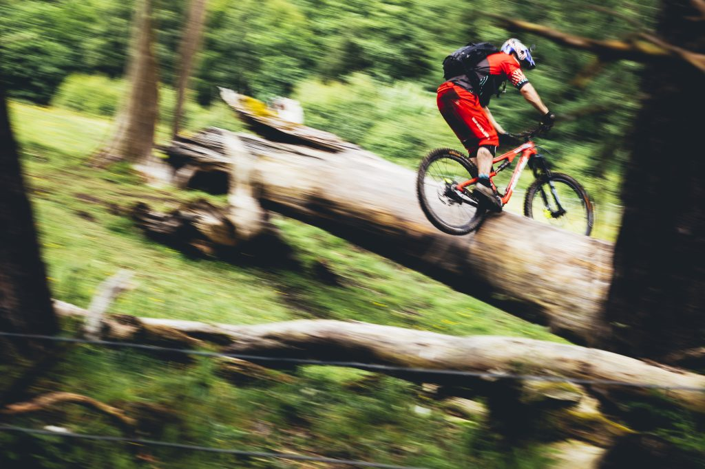 Danny_MacAskill_Log_Slide